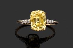 Bague Diamant jaune - 2,54 carats Fancy Vivid Yellow VS2 - Décembre 2015 - Adjugé : 54.000€