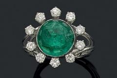 Bague Emeraude Cabochon Diamants - Adjugé : 6.000€