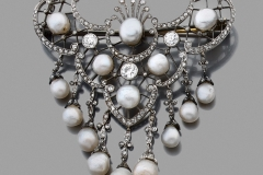 Broche Draperie Diamants Perles - Vers 1900 - Adjugé : 11.000€