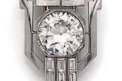 Clip de revers platine Diamants - Vers 1930 - Adjugé : 15.000€