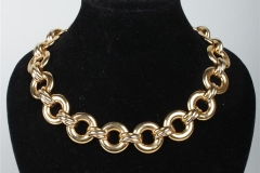 CARTIER - Collier or jaune - Adjugé : 5.500€