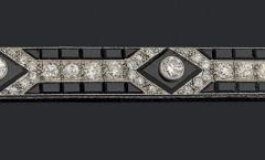 MAUBOUSSIN -  Bracelet Onyx Diamants - Vers 1925 - Adjugé : 35.000€