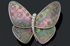 VAN CLEEF & ARPELS - Clip Papillon Diamants Nacre - Adjugé : 9.200€
