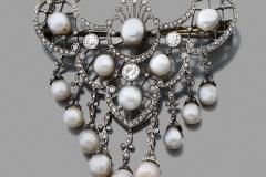 Broche Draperie Diamants Perles - Vers 1900 - Adjugé : 11.000€