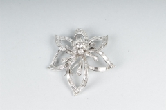 VAN CLEEF & ARPELS - Clip de revers Or Diamants  - Adjugé : 4.600€